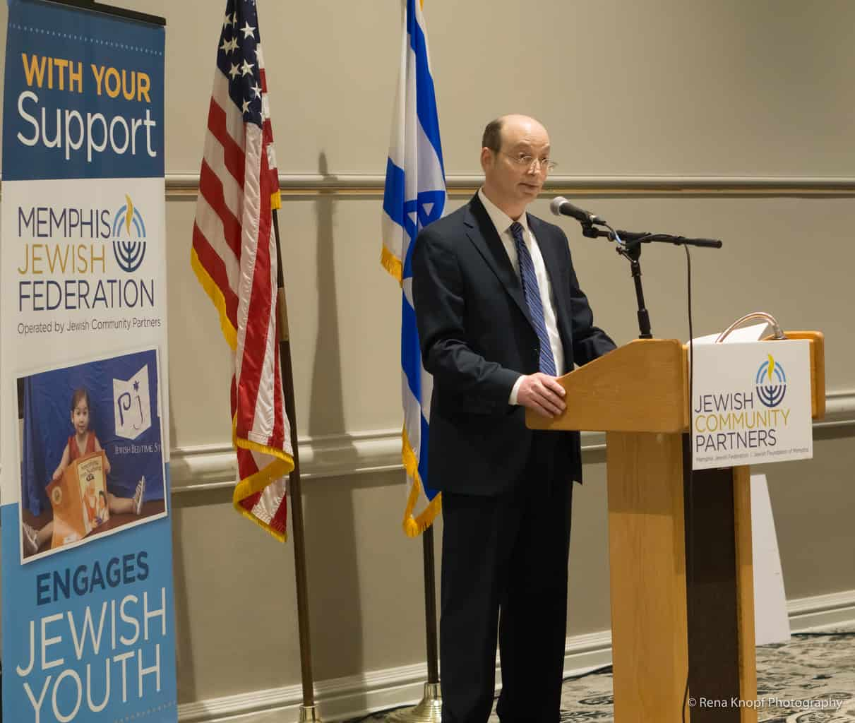 charles-jalenak-passes-jewish-foundation-of-memphis-torch-to-new-leader-2